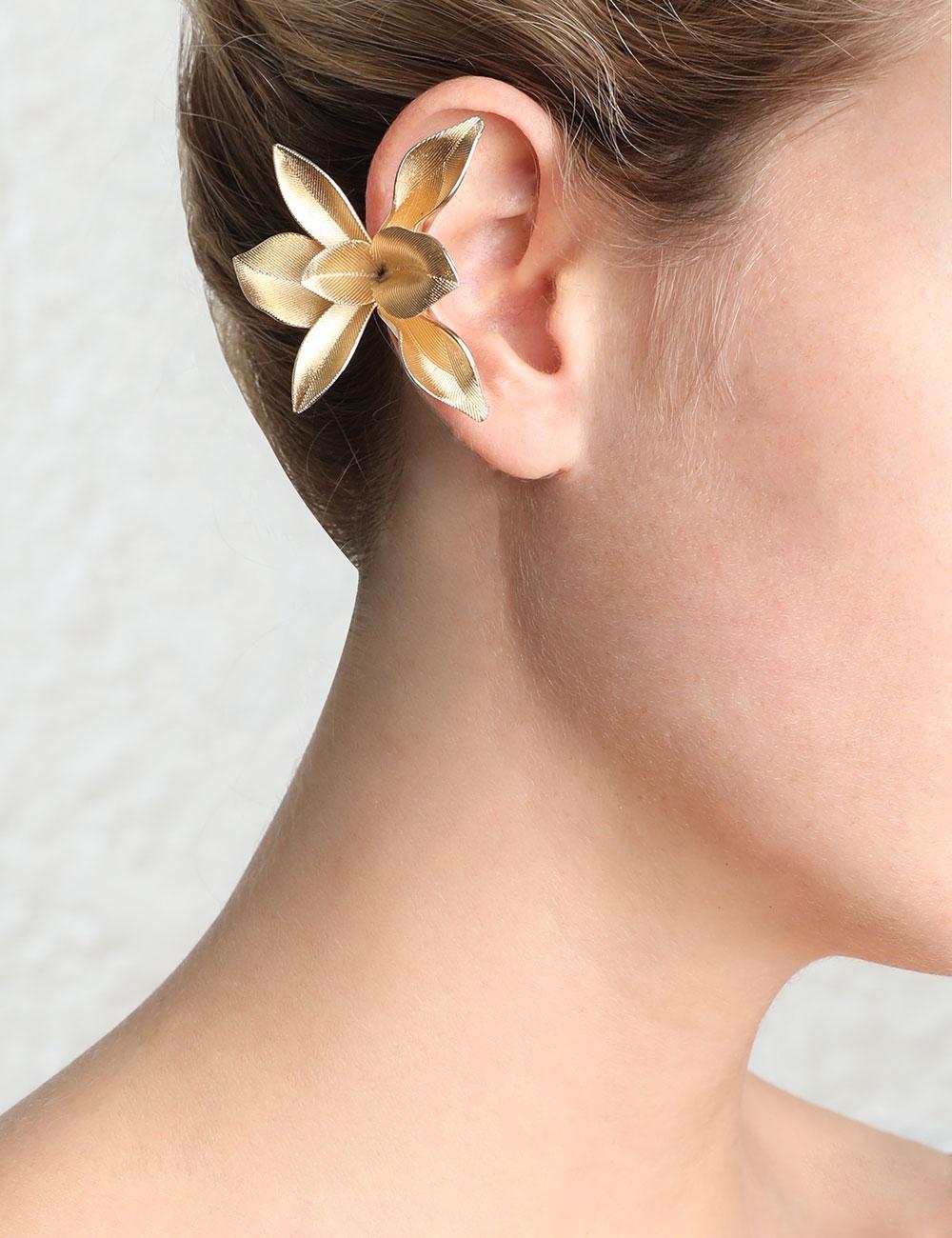 Orchid Staple Earring