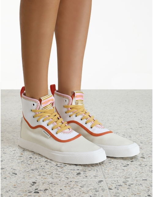 Canvas Wave High Trainer