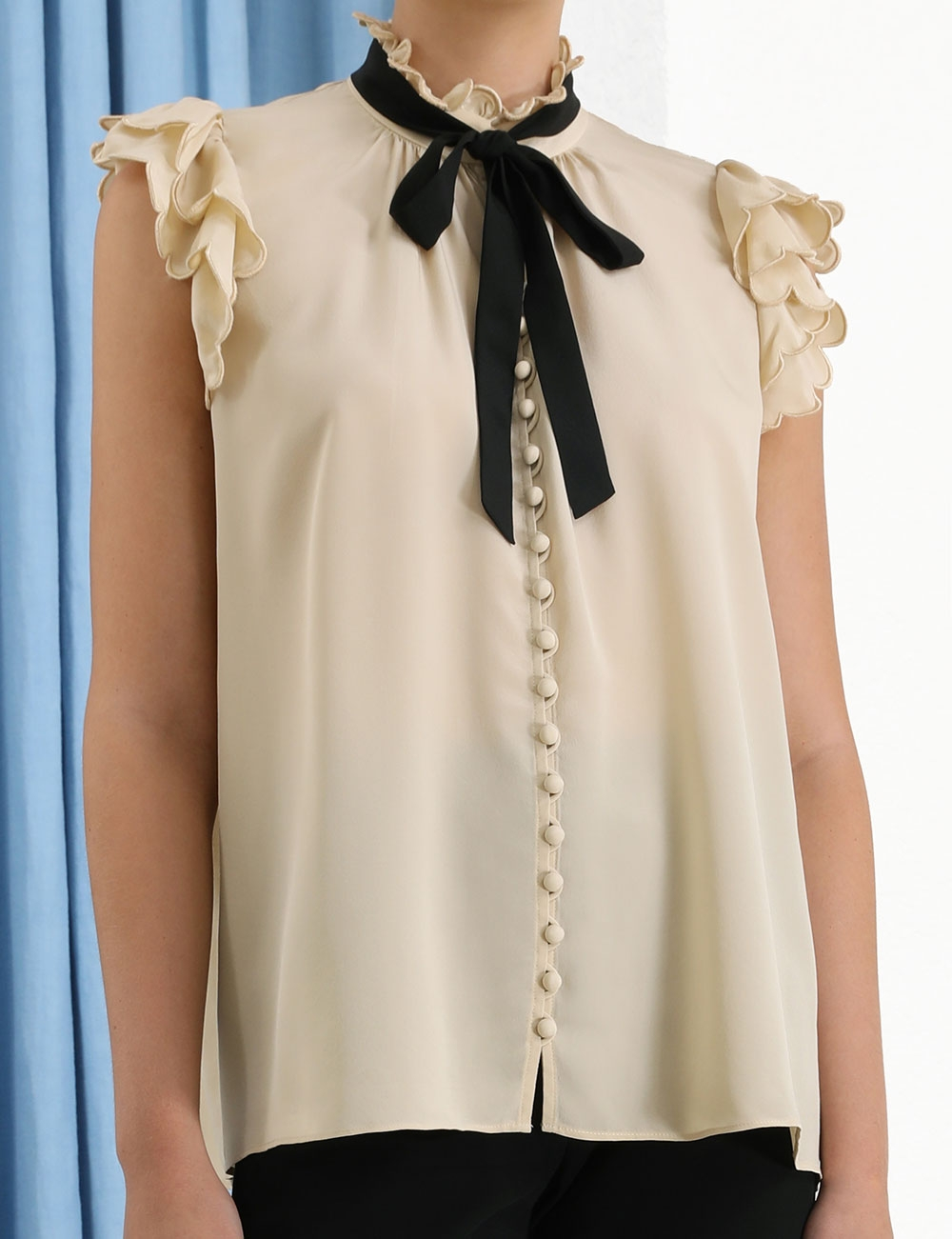 Silk Scallop Sleeveless Top