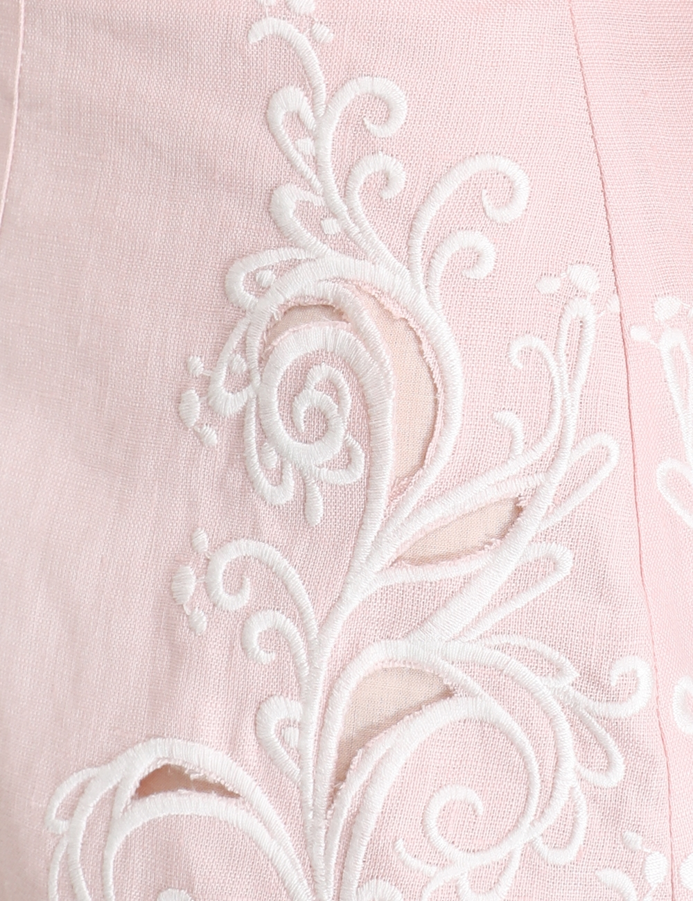 Freja Embroidered Short