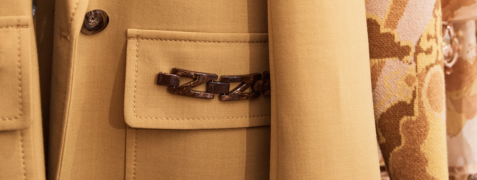 Suiting garment detail image of the Fall 2021 Runway collection