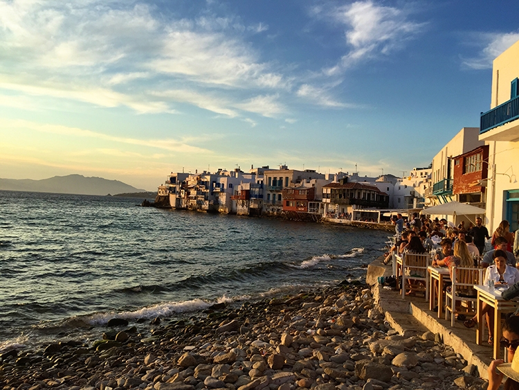 Colourful buildings along the Mykonos shore